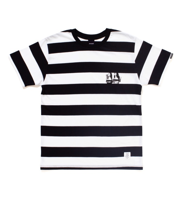 Selfie Border T-shirt1